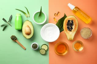 Frische Früchte werden zum Mixen von botanischen Naturfarben herangezogen.